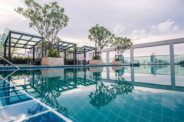 TC-Green-Bangkok-condo-for-sale-sky-swimming-pool