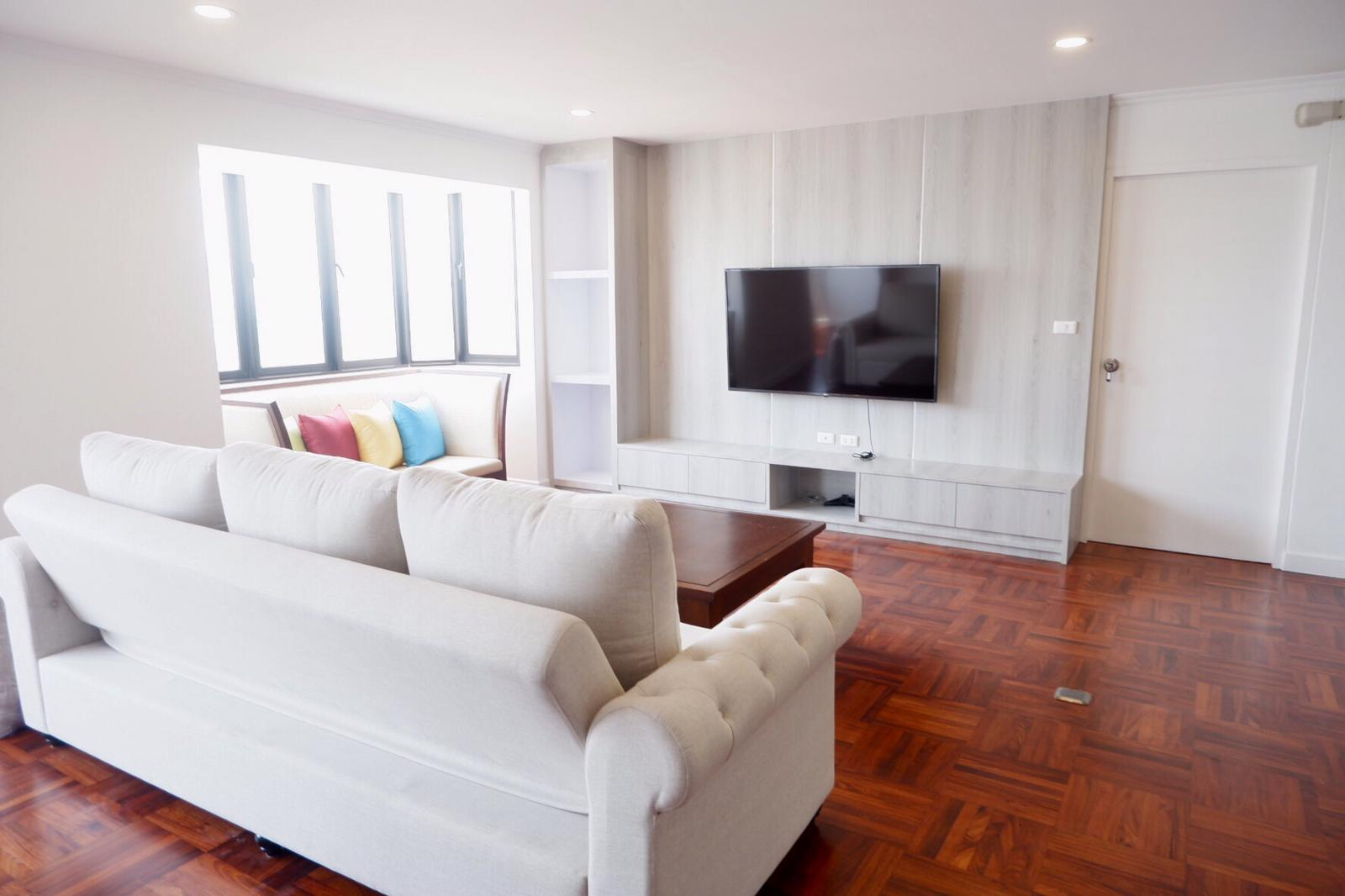 2 Bedroom | 132sqm | Full Furnish | Sukhumvit Nana